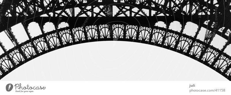 Bogen_sw Paris Tour d'Eiffel Stahl Architektur Geländer Schwarzweißfoto