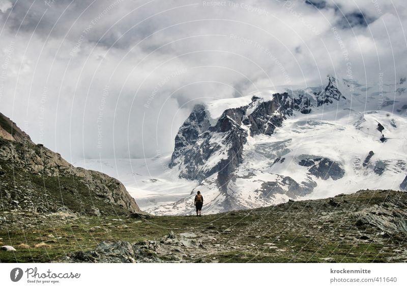 Wanderlust Freizeit & Hobby wandern Umwelt Natur Landschaft Himmel Wolken Gras Grünpflanze Hügel Felsen Alpen Berge u. Gebirge Gipfel Schneebedeckte Gipfel