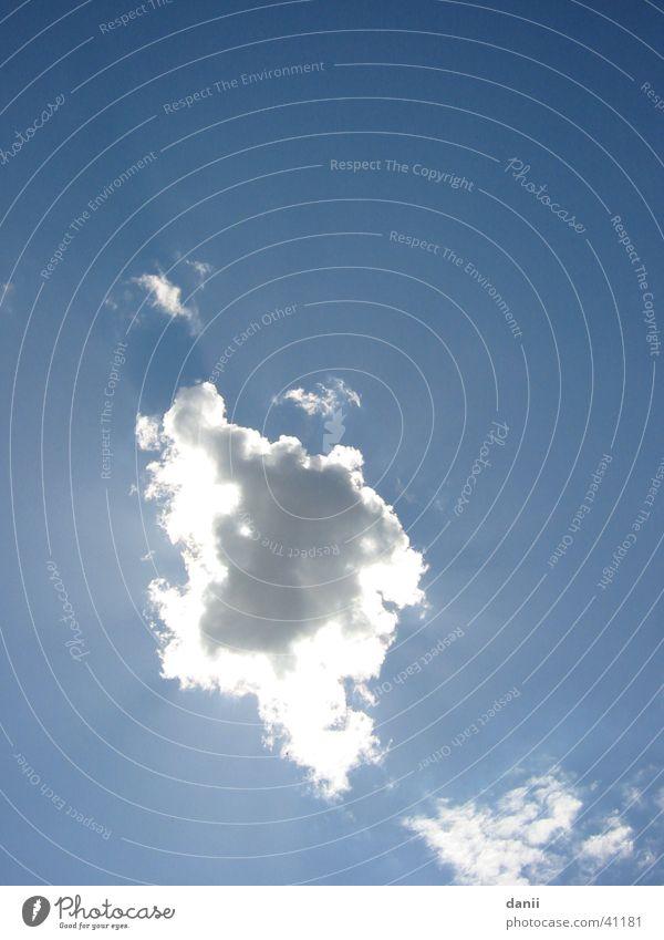 wolke Wolken Sonnenstrahlen blau Himmel Wetter Ferne