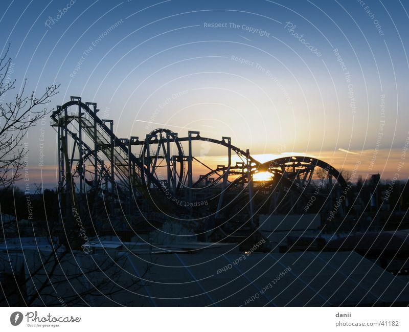achterbahn Achterbahn Sonnenuntergang Jahrmarkt Freizeit & Hobby Himmel blau