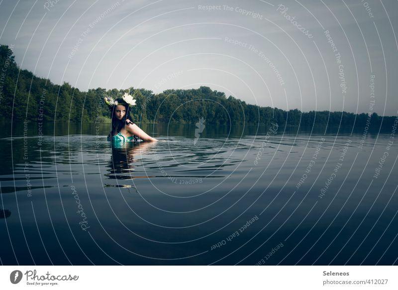Seejungfrau Mensch Frau Himmel Natur Ferien & Urlaub & Reisen Wasser Sommer Landschaft Ferne Erwachsene Umwelt feminin Küste Schwimmen & Baden natürlich