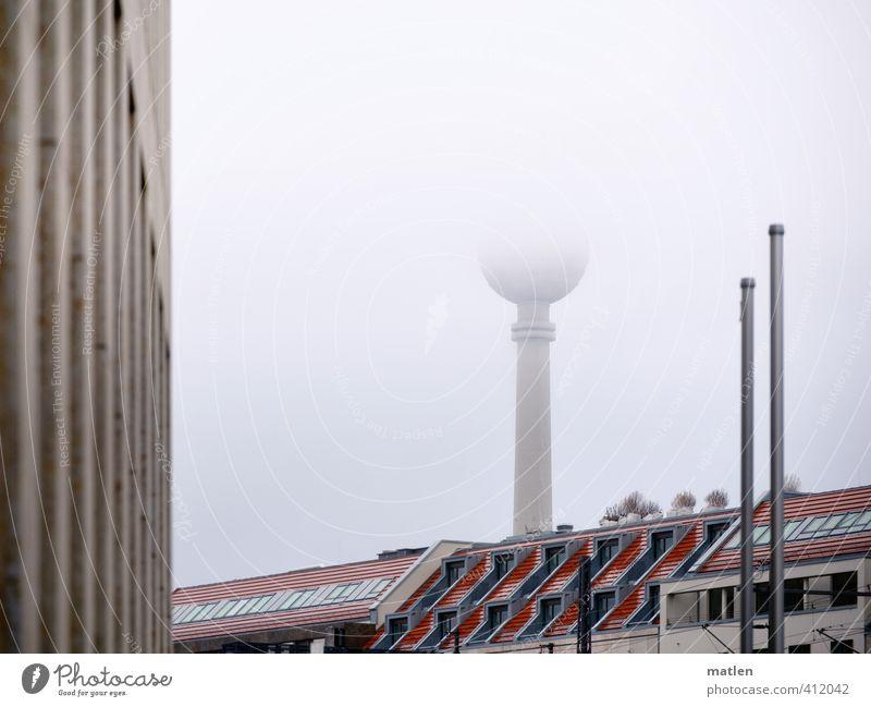 halb Berlin Himmel Wetter Nebel Hauptstadt Stadtzentrum Menschenleer Haus Hochhaus Turm Gebäude Mauer Wand Fassade Balkon Fenster Dach Sehenswürdigkeit grau rot