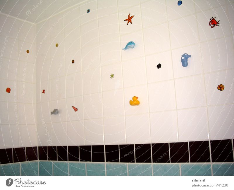 süßes Badezimmer weiß Wohnung Dekoration & Verzierung Häusliches Leben Fliesen u. Kacheln Fuge verschönern selbstgemacht Badeente Gummitier
