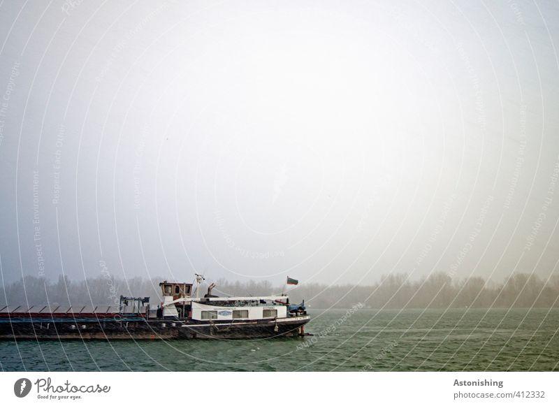 Boot von links! Himmel Natur Wasser Pflanze Baum Wald dunkel Herbst grau Schwimmen & Baden Wasserfahrzeug Horizont Metall Luft Regen Wetter
