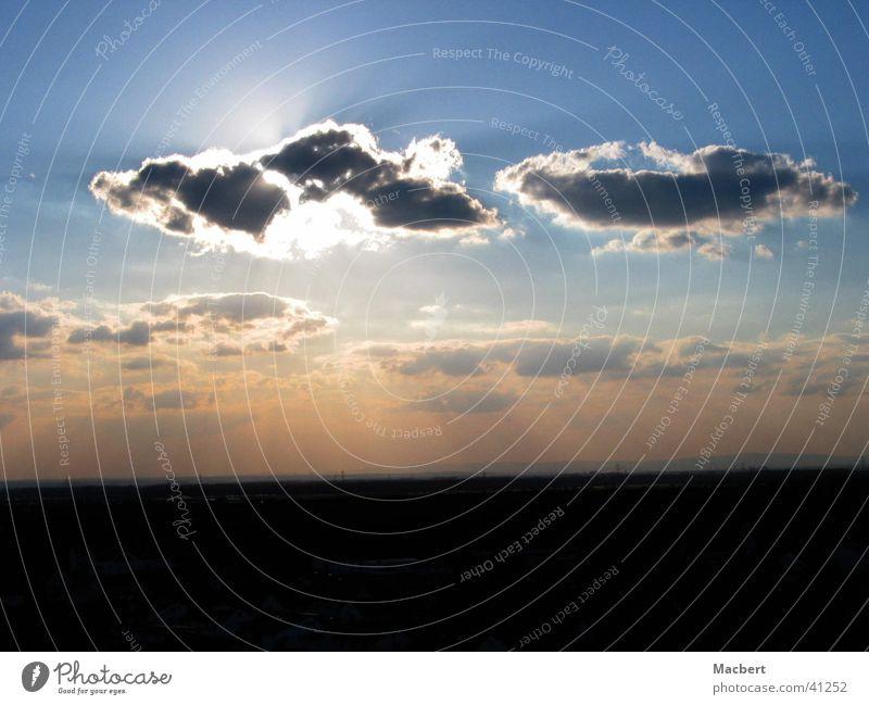 Wolken vor Sonne Himmel Beleuchtung