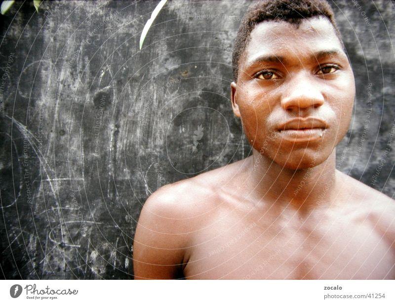 Landarbeiter Mann Mauer Schilder & Markierungen Müdigkeit Afrikaner