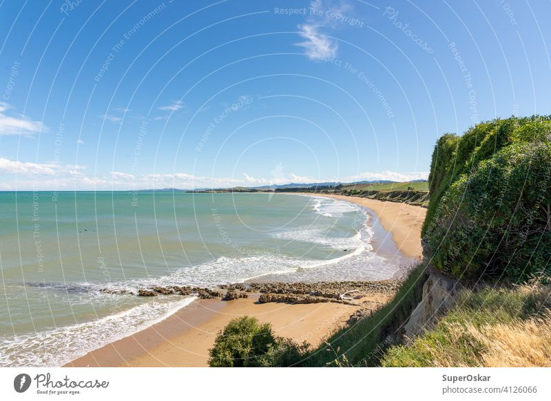 Strandblick im Campbell Bay Reserve außerhalb von Kakanui auf der Südinsel, Neuseeland. schön blau Wolken grün Himmel (Jenseits) Horizont Meer Wasser Wellen