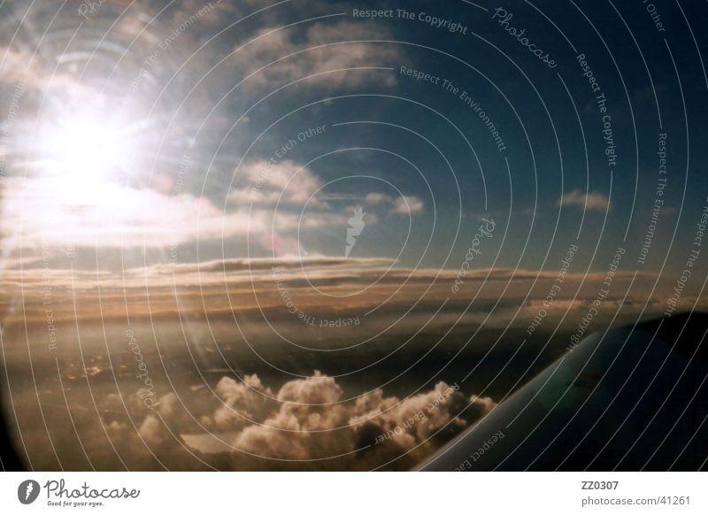Überflieger Himmel Sonne Wolken Luftverkehr Flügel