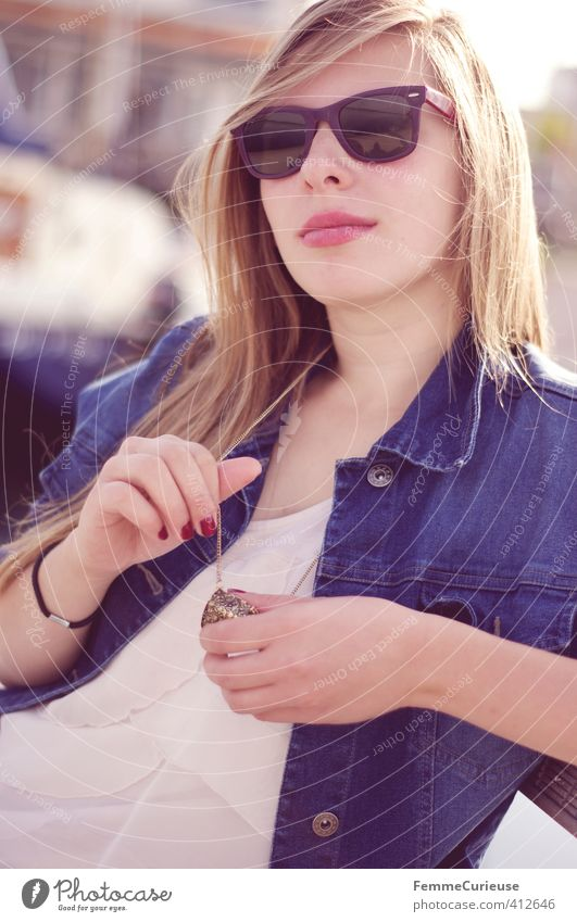 Sun is up! (II) Lifestyle Stil schön Wohlgefühl feminin Mädchen Junge Frau Jugendliche Erwachsene 1 Mensch 18-30 Jahre Zufriedenheit Freizeit & Hobby Mode