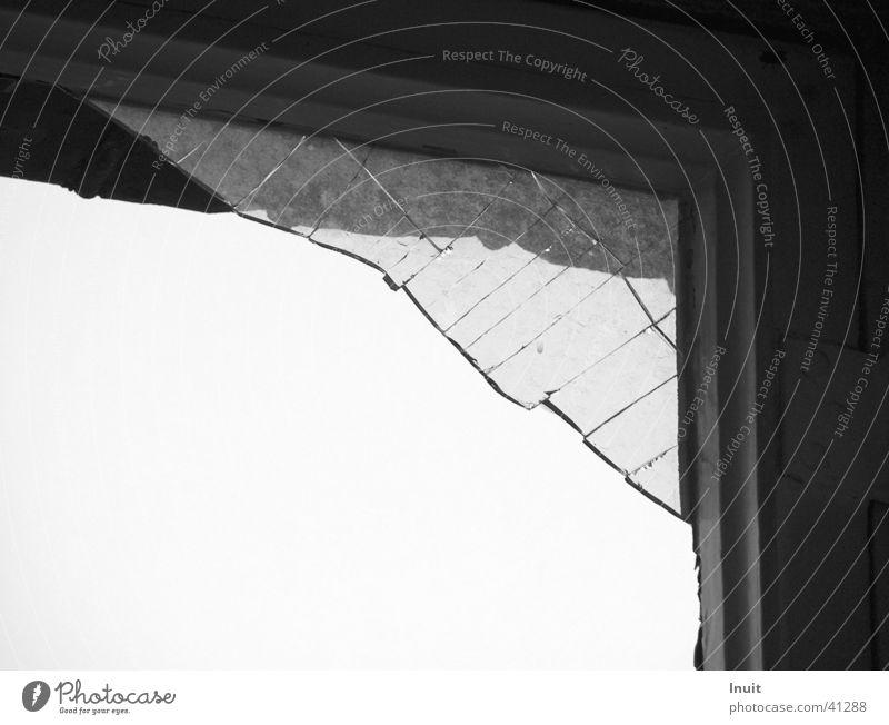 Splitter 02 Fenster Glas kaputt obskur