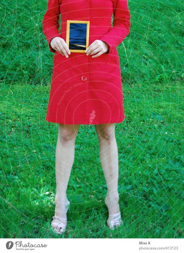 Röntgen-Rahmen Mensch Jugendliche rot Junge Frau Erwachsene 18-30 Jahre Gesundheit Gesundheitswesen Krankheit Übergewicht Bauch schwanger Mantel Durchblick Bilderrahmen Magen