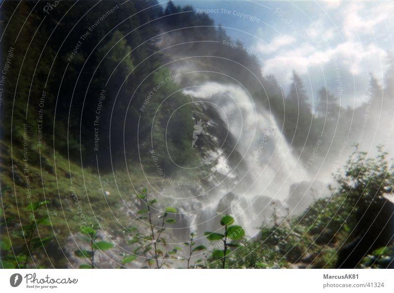 Wasserfall Berge u. Gebirge