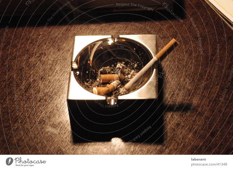 ashtray Aschenbecher Chrom Holz Zigarette Tisch Häusliches Leben Brandasche furnier Rauchen Schreibtisch Zigarettenstummel
