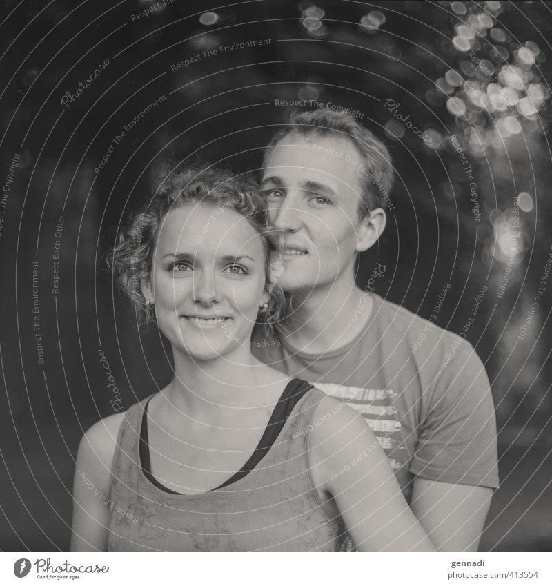 :-) :-) Mensch maskulin feminin Junge Frau Jugendliche Junger Mann Erwachsene Körper Gesicht 2 18-30 Jahre Lächeln leuchten schön Glück Zufriedenheit