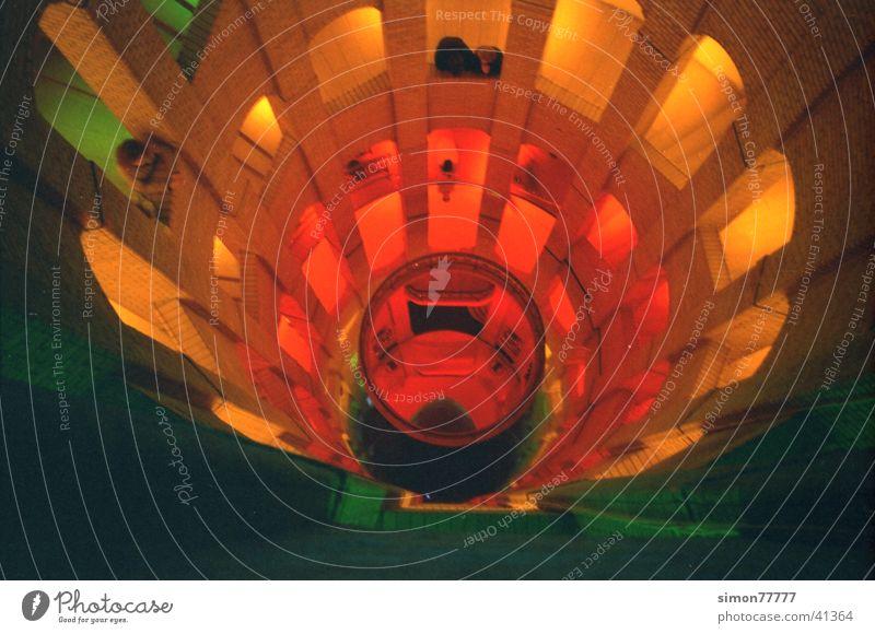 Französischer  Dom Farbe Gotteshäuser Berlin spektral Wendeltreppe Lichtinstallation Französische Kirche