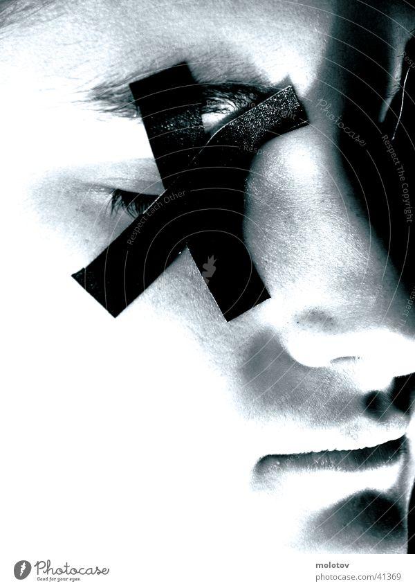 blindheit Frau Silhouette Einsamkeit Porträit Gesicht Auge Nase Mund Halbprofil Leukoplast Schwarzweißfoto