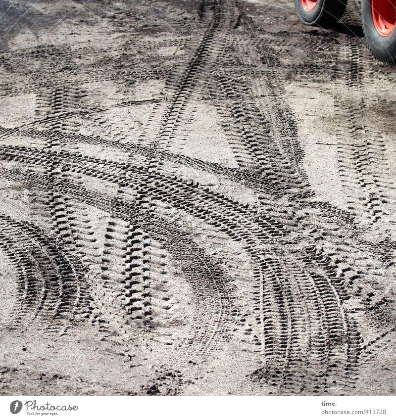 Hiddensee | Männerspielplatz Sand Schönes Wetter Verkehr Berufsverkehr Wege & Pfade Traktor Baustelle Baugrundstück planieren Reifenspuren Kurve Lastwagen