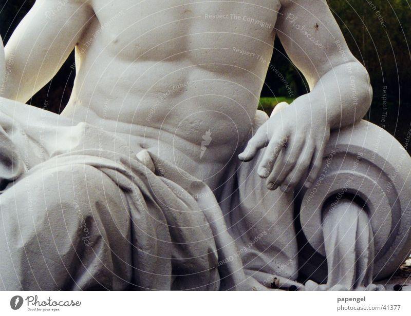 alter Waschbrettbauch Skulptur Poseidon maskulin Ausstellung Messe Marmor Bauch Muskulatur