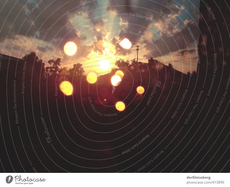 Sonnentanz nach dem Gewittersturm Wolken Sonnenaufgang Sonnenuntergang Sommer Unwetter Regen Frankfurt Stadt Einfamilienhaus Dach neu gelb orange schwarz