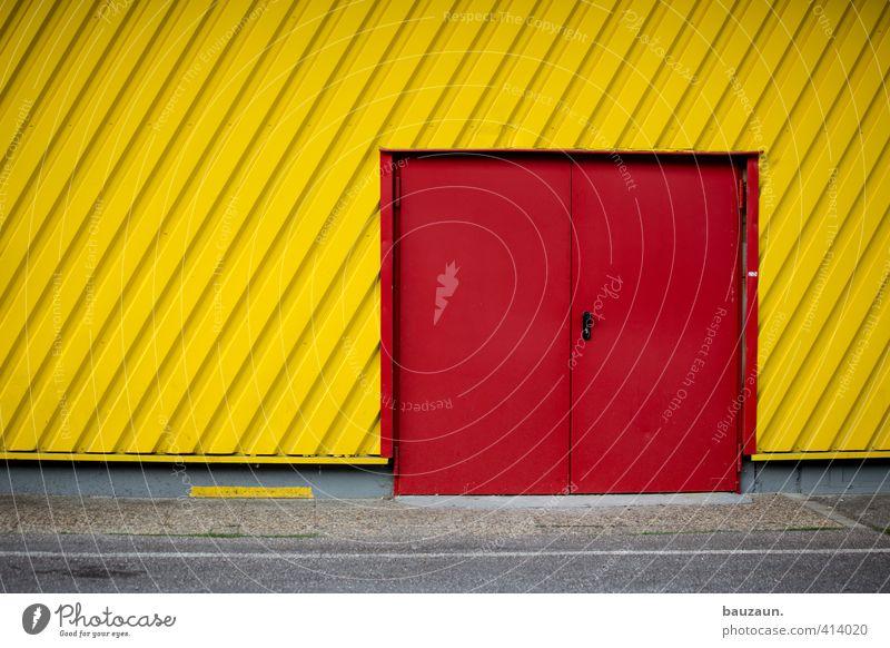 ausweglos. rot gelb Straße Wand Wege & Pfade Mauer grau Stein Linie Fassade Metall Angst Tür Beginn Lebensfreude Beton