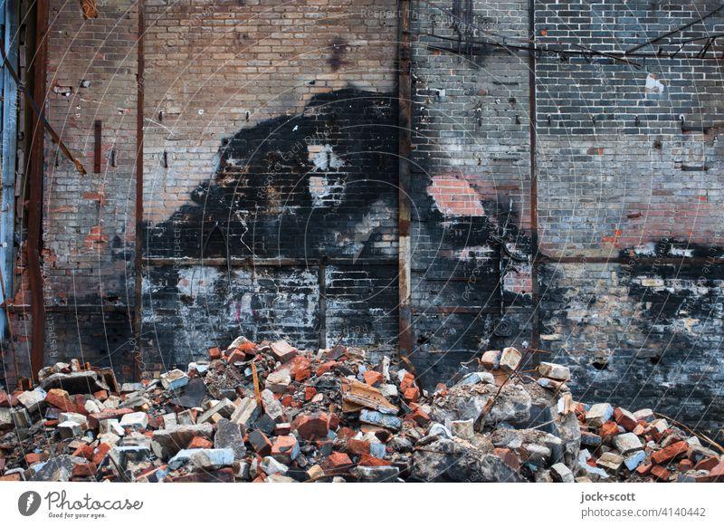 Schutt und Spuren nach einem großen Brand Endzeitstimmung dreckig Zahn der Zeit Hintergrundbild Strukturen & Formen Zerstörung Metallstreben Brandspuren