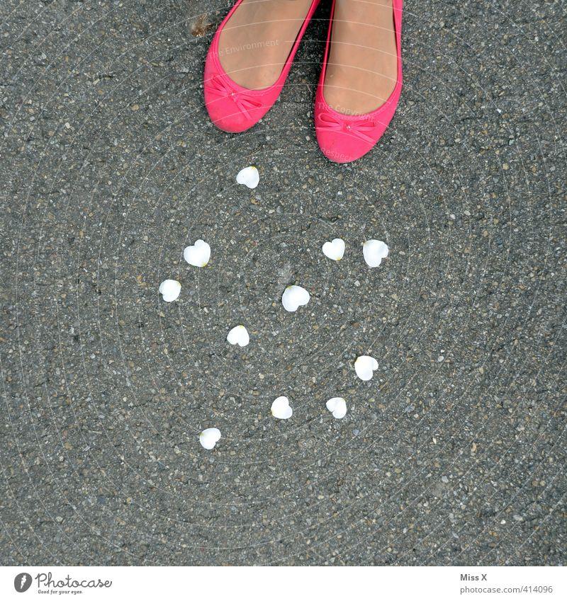 crazy with love Hochzeit Mensch feminin Fuß 1 13-18 Jahre Kind Jugendliche 18-30 Jahre Erwachsene Frühling Sommer Schuhe rosa Gefühle Stimmung Sympathie Liebe