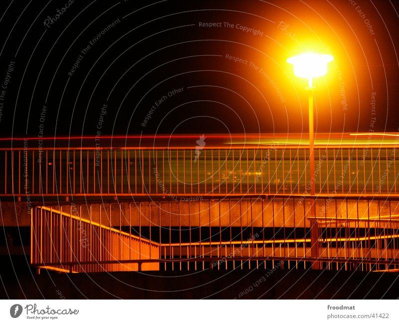 Statische Dynamik oder Sonne am Stiel Lampe PKW Geländer Straßenbeleuchtung Cottbus