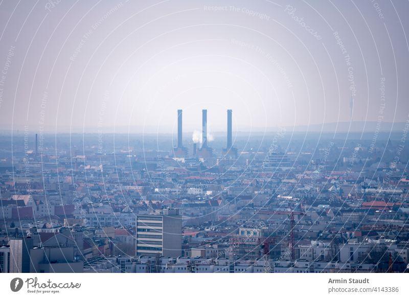 berliner kraftwerk mit dunstiger luft Antenne Air Architektur Atmosphäre Berlin Gebäude Zentrum Schornstein Großstadt Klima Ökologie Energie Umwelt
