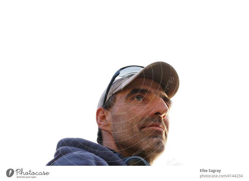 Männer Portrait neutraler Hintergrund Mann Junger Mann Porträt Gesicht Tag maskulin 18-30 Jahre Außenaufnahme schön Blick in die Kamera
