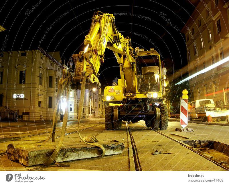 Technische Wartung #2 Straße Arbeit & Erwerbstätigkeit dreckig Beton Gleise Maschine Ampel Straßenbahn Cottbus Nachtarbeit