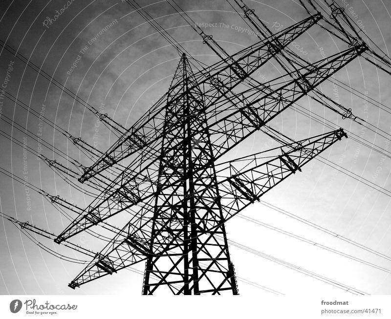 energisch diagonal Elektrizität Leitung Strommast Gitter technisch Vernetzung Verbundenheit Elektrisches Gerät Technik & Technologie Energiewirtschaft