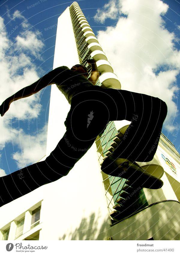 Olympia Stadion - Helsinki Himmel Sommer Wolken Architektur springen Gebäude Stil Treppe Erfolg Luftverkehr Perspektive Coolness Turm Leidenschaft sportlich Dynamik
