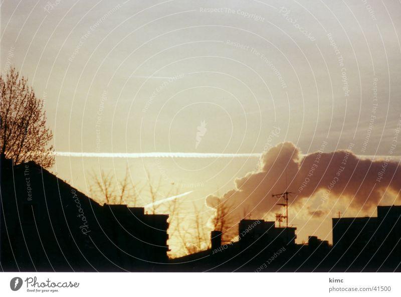 Sonnenuntergang in Offenbach Himmel Haus Wolken Smog