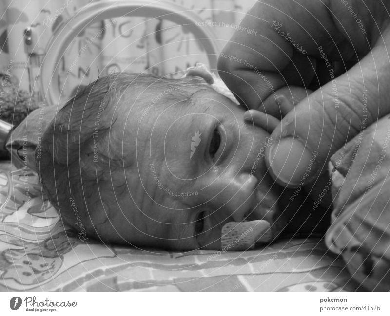 Frühchen Kind Geburt Baby Krankenhaus Mensch intensiv Frühgeburt