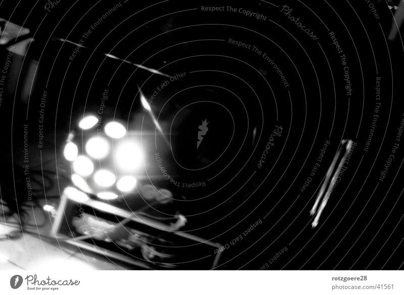 Disko-Light Lightshow Licht Party Stimmung Fototechnik Tanzen Schwarzweißfoto