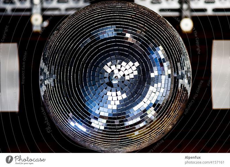 Kugel ohne Disco Discokugel Club Licht Feste & Feiern Farbfoto Menschenleer Entertainment Nachtleben Veranstaltung Innenaufnahme ausgehen Diskjockey clubbing