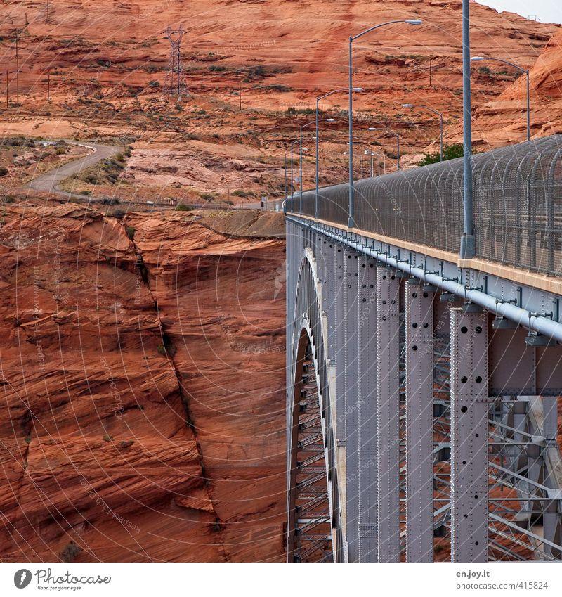 drüben Natur Ferien & Urlaub & Reisen Landschaft Reisefotografie Umwelt Straße Wege & Pfade Felsen orange Tourismus hoch Zukunft Brücke Abenteuer Hoffnung USA