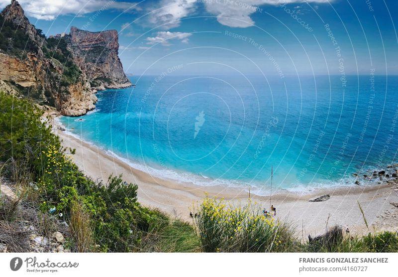 Bach des Moraig in Benitatxell, Provinz Alicante. panoramisch Küstenlinie tropisches Klima Meer Urlaub reisen Körper von Wasser Reiseziele Strand von Spanien