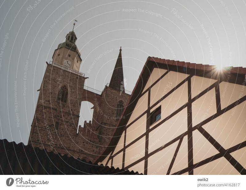 Doppelspitze Jüterbog Brandenburg Kirche Haus Bauwerk Gebäude Architektur Kirchturm Kirchturmspitze Mauer Wolkenloser Himmel Wahrzeichen Sehenswürdigkeit