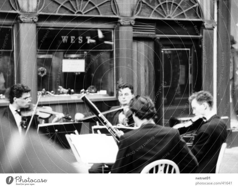 straßenmusik ruhig Erholung Menschengruppe Musiker besinnlich Straßenmusiker