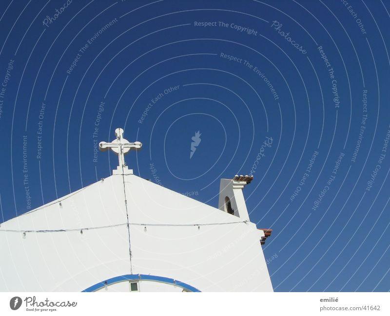 HerrimHimmel Mauer weiß Katholizismus Gotteshäuser Religion & Glaube Rücken blau Perspektive Detailaufnahme