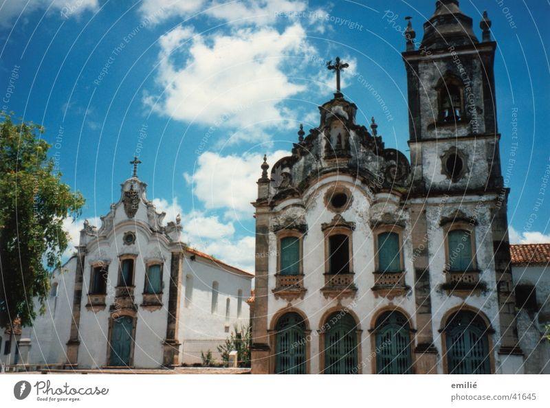 *Brazil* Brasilien Dorfplatz historisch malerisch Baum Architektur Religion & Glaube portugiesische Baukunst alt Himmel friedlich