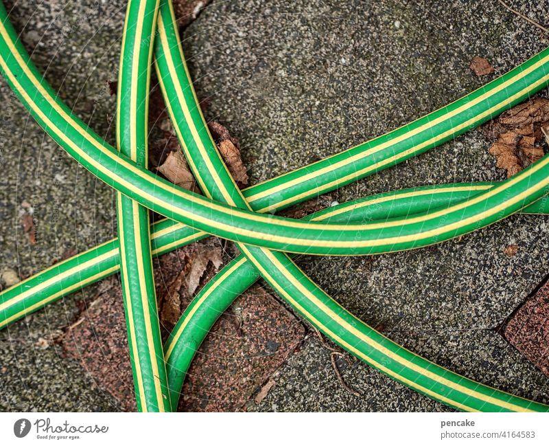 wasser marsch! Gartenschlauch Grün gelb Wasser Wasserschlauch Bewässerung gartenarbeit