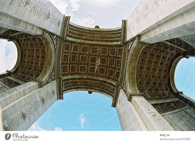 Unter dem Triumphbogen Paris Frankreich Champs-Elysées Architektur Arc de Triomphe L´Arc de Thriomphe Napoleon