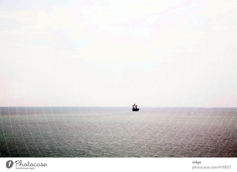 Kurt Wallanders Reisen Himmel Wasser Meer Einsamkeit Ferne dunkel klein Wasserfahrzeug Horizont Urelemente Sehnsucht Schifffahrt Mittelmeer Windstille