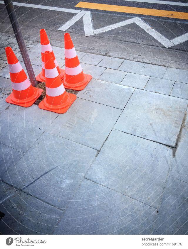 Empfehlung | immer mit offenen Augen durch die Welt laufen Verkehr Verkehrswege Verkehrssicherheit Verkehrszeichen Zebrastreifen Straße Bürgersteig Wege & Pfade