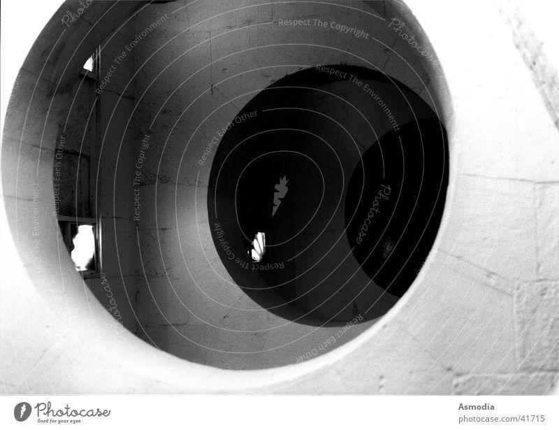 Dimensionstor Wand weiß schwarz Durchgang Tunnel Kammer St. Pauls Cathedrale Licht Etage Architektur Schwarzweißfoto Loch Religion & Glaube Schatten Kreis