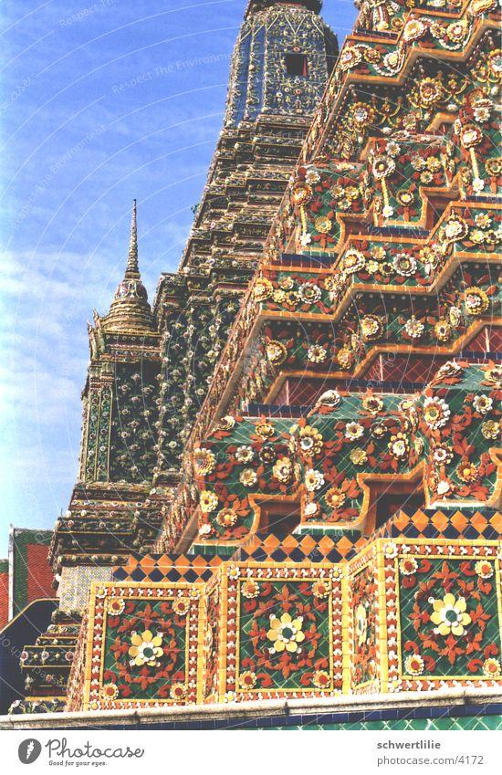 Tempel Thailand Dach mehrfarbig Schmuck