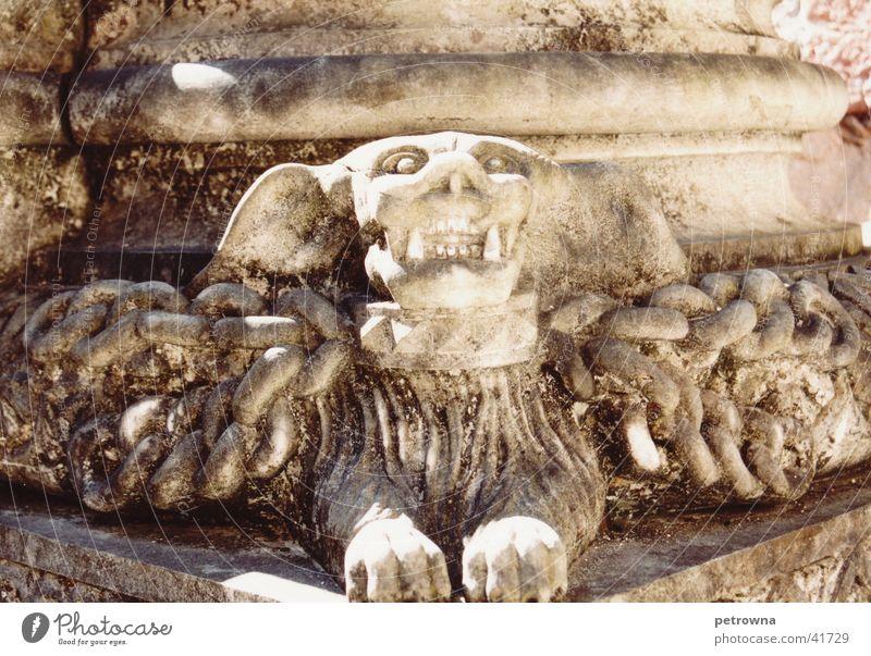 Geflügeltes Monster 2 Architektur Portugal Lissabon Bildhauer