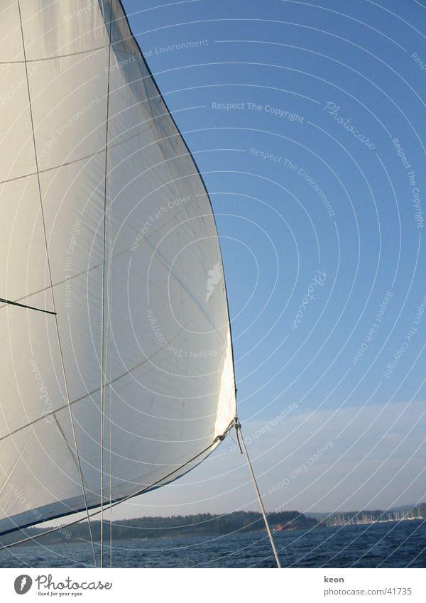frische Brise Natur Wasser weiß Meer blau Ferien & Urlaub & Reisen ruhig Erholung Europa Segeln Schweden Segelboot